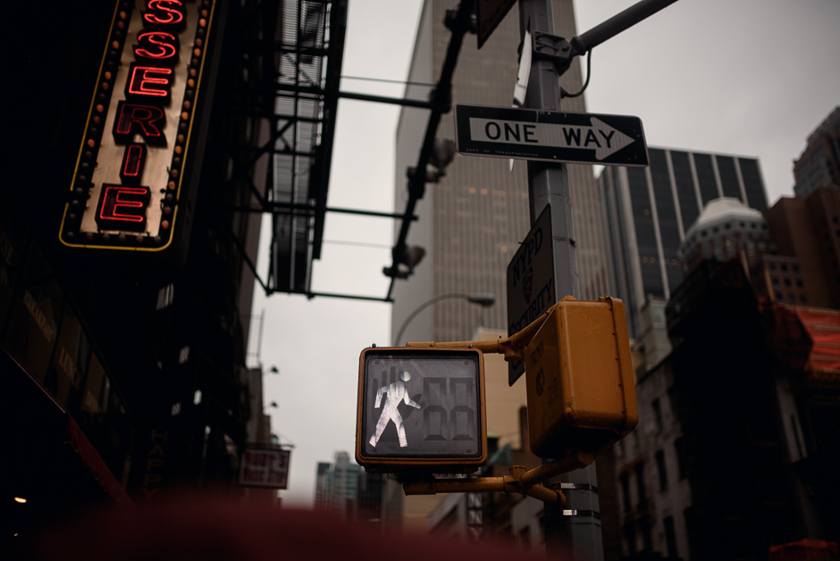 New York pedestrian crossing - white man