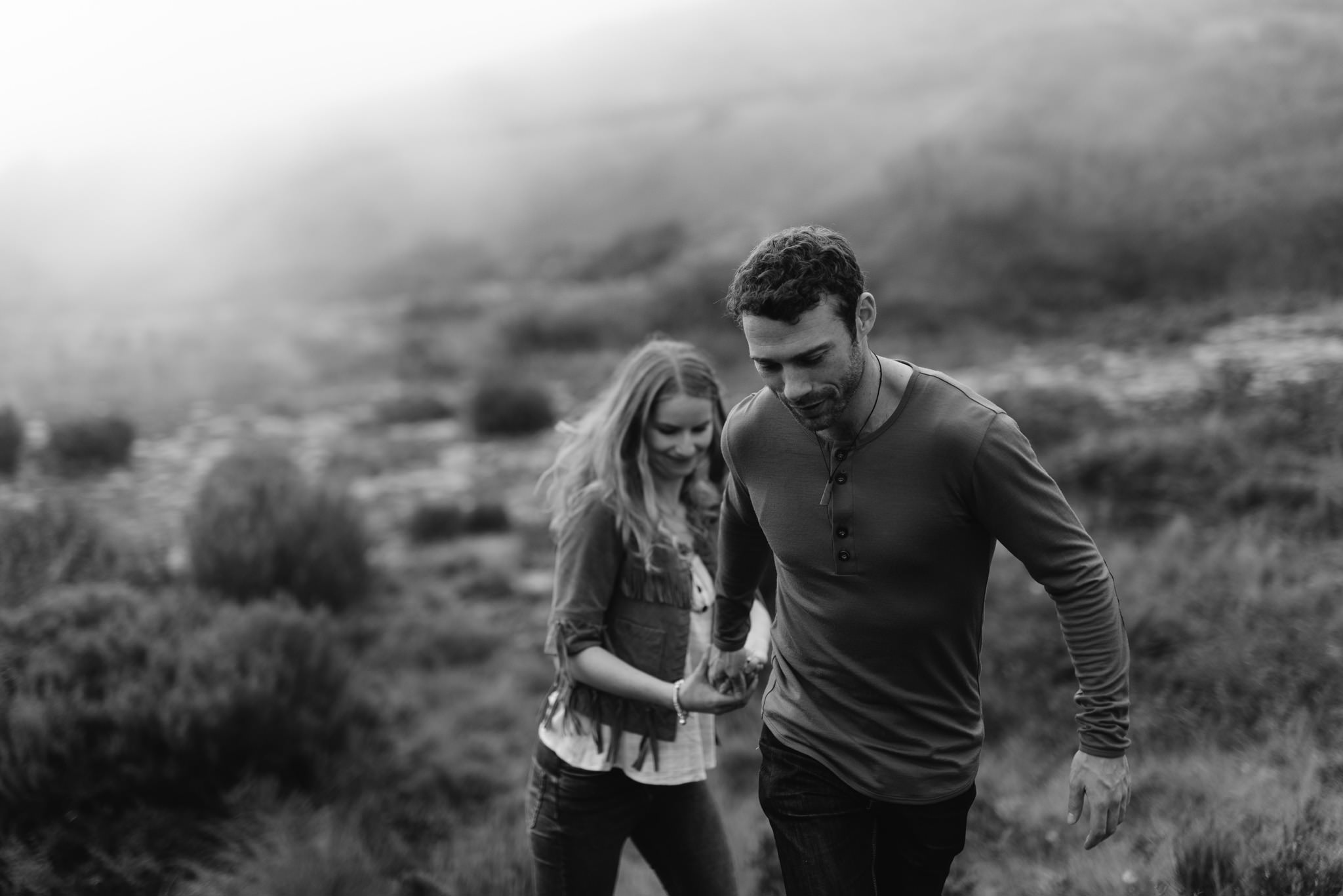 Couple in mountains for New Zealand pre-wedding photos